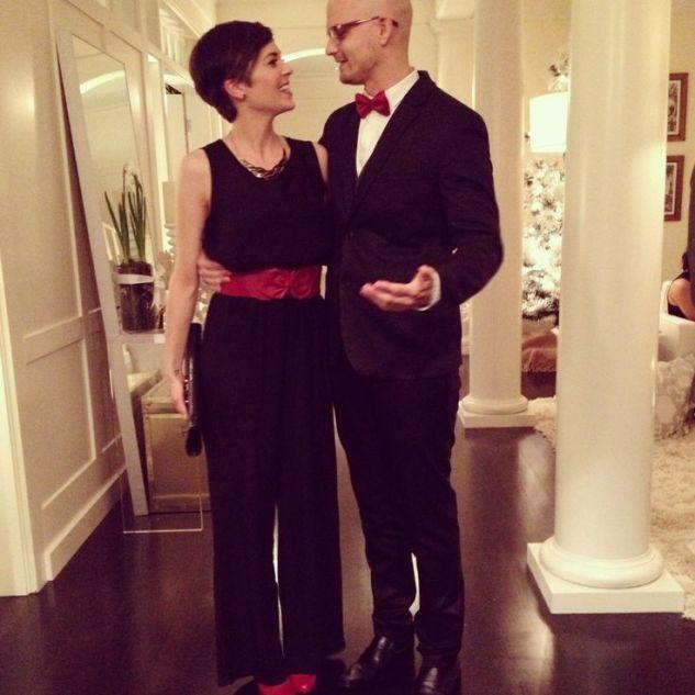cda16a1e9ea8fb02e3872b08a97f0f3b--couple-outfits-christmas-parties