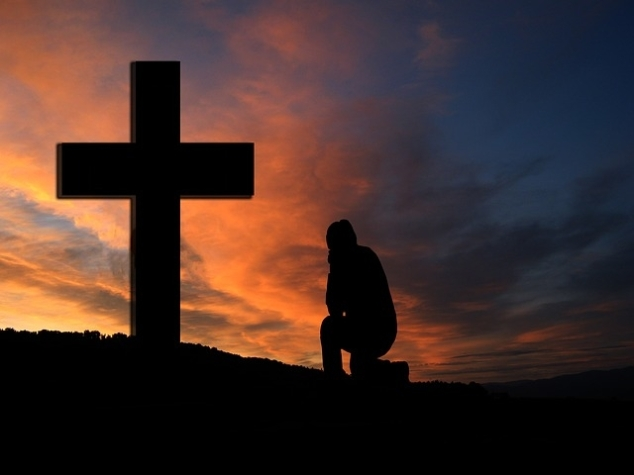 79909-Kneeling-Prayer (1)